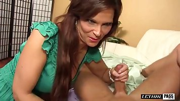 Syren De Mer is getting nailed from the back and screaming f...