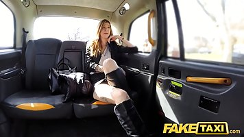 Flirty blonde babe wanted to pay for the taxi ride with her ...