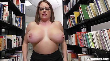 Fat girl, with glasses, Maggie Green is fucking her black gu...
