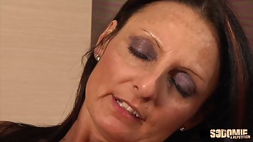Mature, Italian brunette, Barbara got spit- roasted during a...
