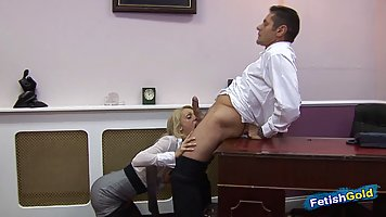 Beautiful, blonde secretary has hots for her muscular boss a...