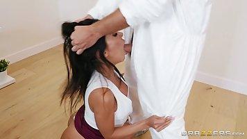 Big ass brunette, Lela Star is sucking her lover's ...