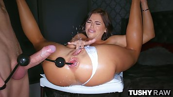 Adriana Chechik and Holly like wild anal sex, so no wonder a...