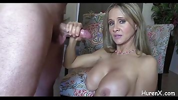 Gorgeous blonde MILF with big tits is sucking her lover&...