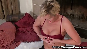 Elderly ladies are showing their tits in front of the camera...