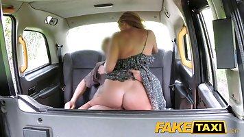 лесби на заднем сидении-вв2