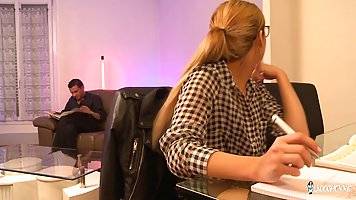 Super horny amateur blonde from France likes to have group s...