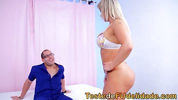 Voluptuous blonde got down and dirty with a guy she met in a...