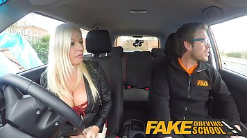 Busty blonde got fucked in the back of a car, instead of lea...
