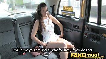 Похотливый таксист развел пассажирку на секс